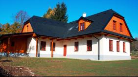 Hütte hinter der Scheune